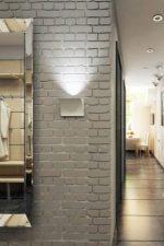 Декоративные кирпичики в интерьере квартиры – оригинальный дизайн в виде кирпичной кладки в стиле «лофт» в прихожей, отделка белым кирпичом в интерьере