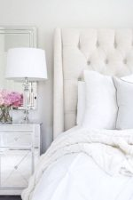 Дизайн спальни в белом цвете – дизайн интерьера в светлых тонах, примеры в белом цвете с яркими акцентами, бело-зеленая и бело-голубая комната