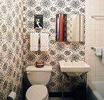 Дизайн туалета обоями в квартире фото