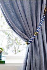 Для штор подхватки – прихваты, крючок и другие держатели для подвязки, как крепить прихватки к стене, подвесы-кистис и захваты