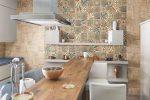 Фартуки из плитки для кухни фото смотреть – Плитка для кухни — 170 фото плитки на пол и для фартука, лучшие идеи оформления кухни плиткой