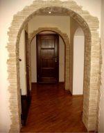 Фото арка из искусственного камня – оформление прихожей в квартире, как своими руками отделать межкомнатные проемы декоративным кирпичом, как обклеить декоративными плитками, примеры в интерьере