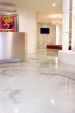 Фото заливной пол в квартире – устройство заливного жидкого пола в квартире, отзывы о самовыравнивающемся покрытии, преимущества и недостатки
