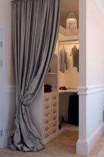 Гардеробная из маленькой кладовки – как сделать и обустроить вместительный гардероб в квартире панельного дома, варианты в прихожей