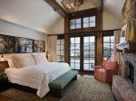 Интерьер спальни в загородном доме – Красивый интерьер спальни в загородном доме, фото дизайна спальни на даче, в деревянном доме, выбор оптимального размера комнаты, вида отделки, планировки