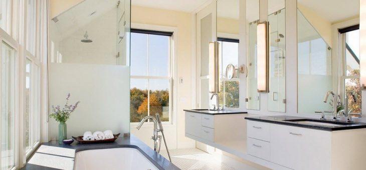 Интерьер ванной с окном – комнаты дизайн и фото, как оформить большую, имитация штор в интерьере, частный дом и коттедж