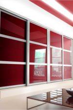 Как декорировать шкаф купе – идеи фасадов в прихожую или коридор и в гостиную, внутренний декор встроенных моделей, какие бывают фасады