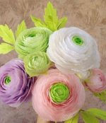 Как делать цветы из гофрированной бумаги большие