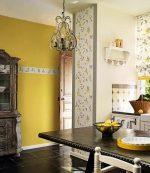 Как красиво поклеить обои в кухне двух цветов фото – компаньоны, сочетание двух цветов, оформление, подбор, комбинирование, переход в коридор, видео