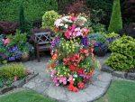 Как украсить сад – оформление своими руками, украшения цветами и подручными средствами, фото и видео