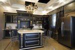 Кухни черно фиолетовые фото – Кухня черного цвета — 70 фото идей сочетания интерьера кухни черного цвета