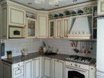 Кухня угловая классика светлая – Классические кухни — 75 фото эксклюзивных идей оформления кухни в классическом стиле