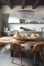 Люстра на кухню фото в интерьере – Какие люстры подходят для кухни – советы дизайнеров по обустройству освещения