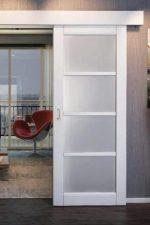 Межкомнатные раздвижные – механизм стеклянных дверей, расположенных вдоль стены, роликовая система, конструкции с зеркалом