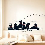 Наклейки для декор для стен – декоративные белые и цветные варианты с изображениями спорта и другими картинками в интерьере, какие безопасные виниловые модели можно клеить в детскую