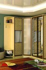 Нестандартные угловые шкафы – узкие платяные варианты с полками для одежды, размеры шкафа со штангой, большой навесной и двухдверный полукруглый модели в интерьере комнаты