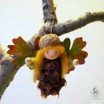 Поделки из листьев шишек мха – Поделка Лесной Ангел — делаем сами из мха, листьев и сосновой шишки / Поделки из природного материала своими руками для детей — из шишек, из спичек, из ракушек