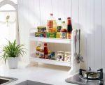 Полочки над столом – кухонные выдвижные на стену вместо шкафов реального интерьера, из дерева в стиле прованс