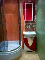 Посоветуйте как устроить очень маленький туалет чтоб был душ и унитаз – Можно ли сделать из туалета душевую? А в ванной будет унитаз раковина и стиральная машина. Как лучше сделать вентиляцию?