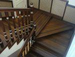 Поворотные лестницы на второй этаж – как самостоятельно рассчитать и смонтировать конструкцию из дерева и как выгодно купить уже готовый вариант, а также 20 фото и видео