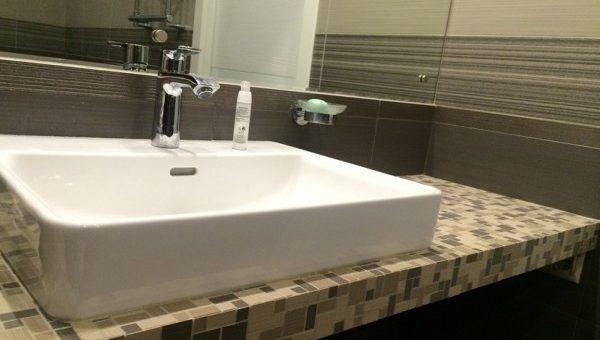Раковина встроенная в ванной
