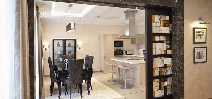 Раздвижные двери для кухни фото – межкомнатные перегородки между гостиной и кухонной зоной, разделение зала и столовой комнаты раздвижными дверями