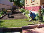 Рулонный газон что такое – Рулонный газон на участке, что это такое, как правильно выбрать рулонный газон, как правильно его застелить, уход за рулонным газоном