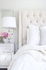 Спальни белые – дизайн интерьера в светлых тонах, примеры в белом цвете с яркими акцентами, бело-зеленая и бело-голубая комната