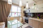 Угловая классическая кухня в светлых тонах фото – Классические кухни — 75 фото эксклюзивных идей оформления кухни в классическом стиле